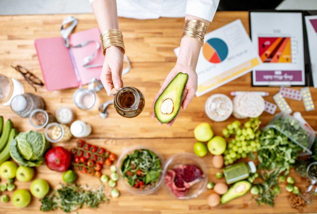 IKKE FRYKT FETT : 7 måter fett kan hjelpe deg å kontrollere vekten på